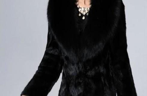 Bí quyết chọn mua thời trang trung niên để diện Tết