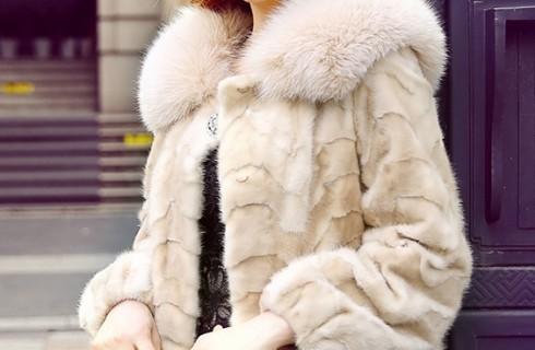 Bí quyết mặc áo lông thú sành điệu như gái đôi mươi