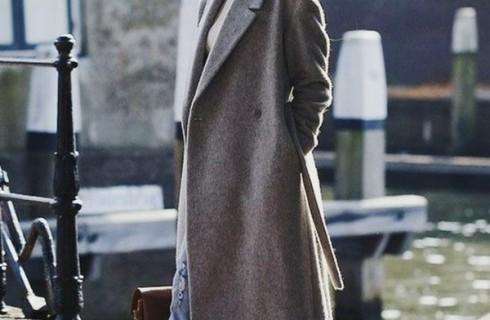 Áo khoác dạ nữ dài đang mê hoặc làng mốt thế giới