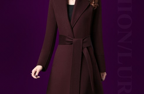 Thời trang áo khoác dạ nữ trung niên thêm phần quý phái