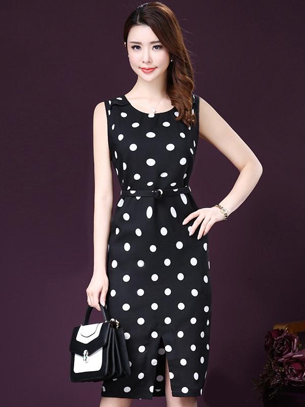 Váy đầm trung niên giá rẻ không toát lên được thần thái quyền quý và sang trọng của các quý bà bằng những mẫu đầm cao cấp, hàng hiệu.