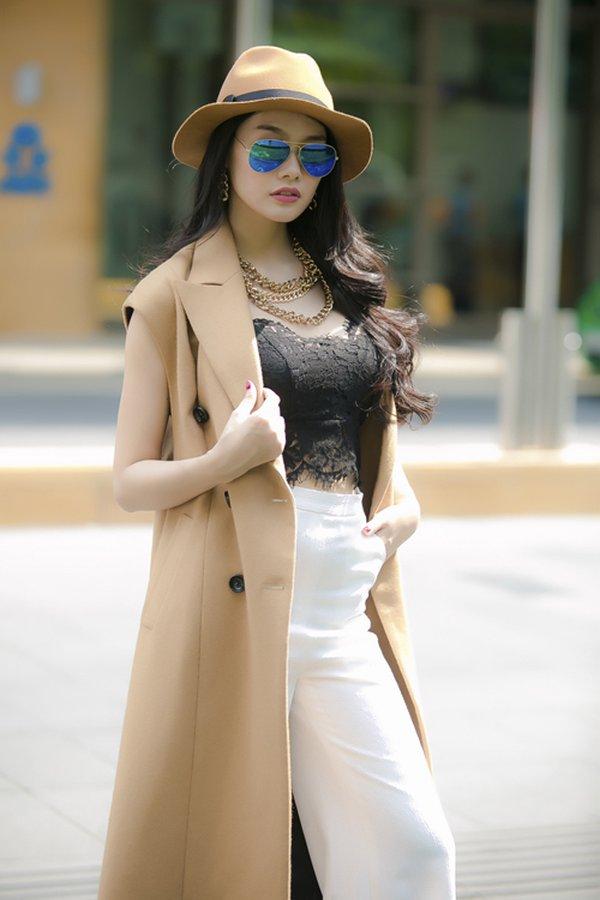 Phong cách thời trang áo dạ không tay cực kỳ cá tính cho quý cô công sở