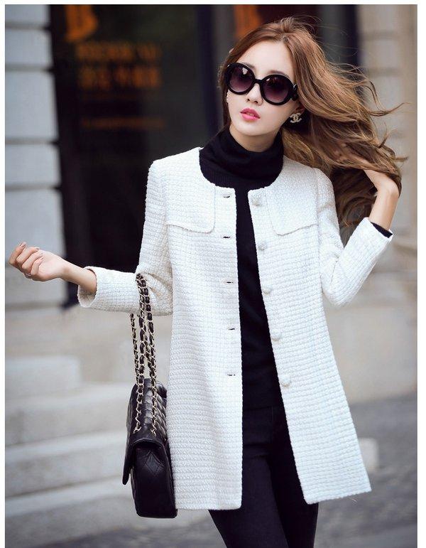 Mẫu áo khoác dạ không cổ gam màu trăng trẻ trung, năng động