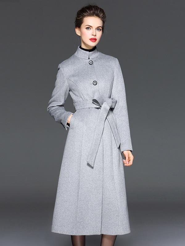 Các mẫu áo dạ đẹp với phần thắt eo giúp tôn dáng cho người mặc