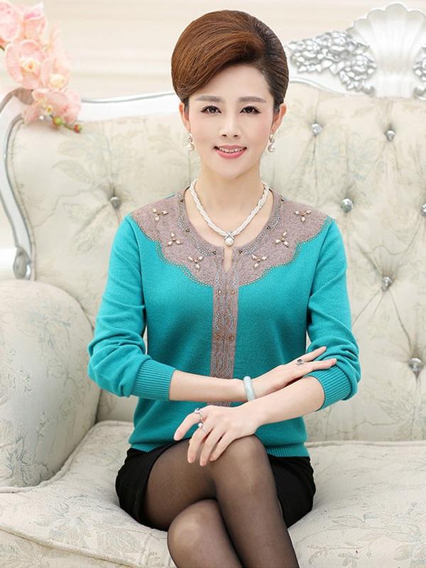 Áo len trung niên dáng dài đẹp cho các quý cô