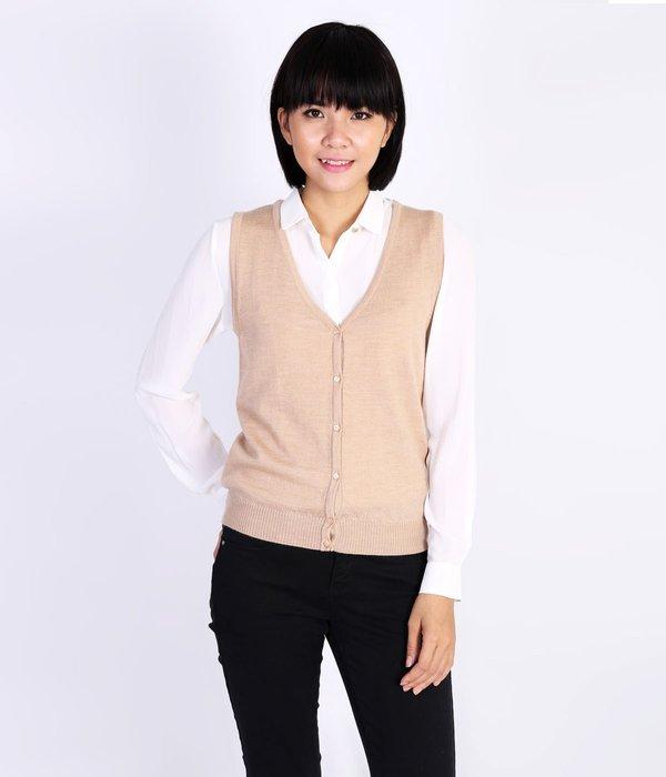 Mẫu áo len gile dáng ngắn thời thượng, trẻ trung và phong cách