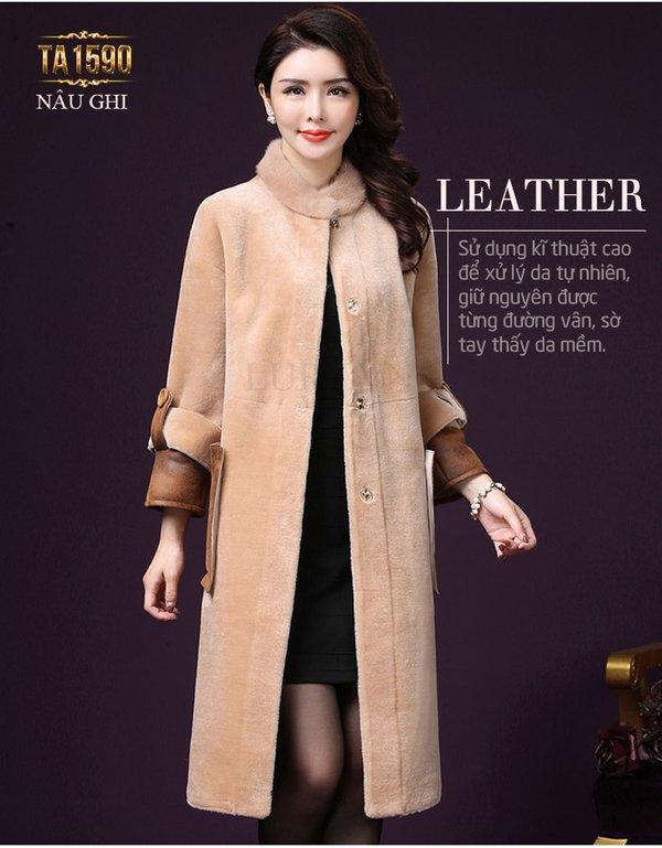Áo khoác nữ trung niên từ chất liệu nhung cao cấp kết hợp với lông thú tự nhiên xa hoa, đẳng cấp